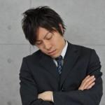 ビビる! 居眠りしている人の起こし方。